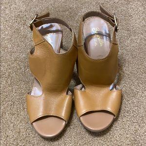 Seychelles cut out sandal size 6.5 leather